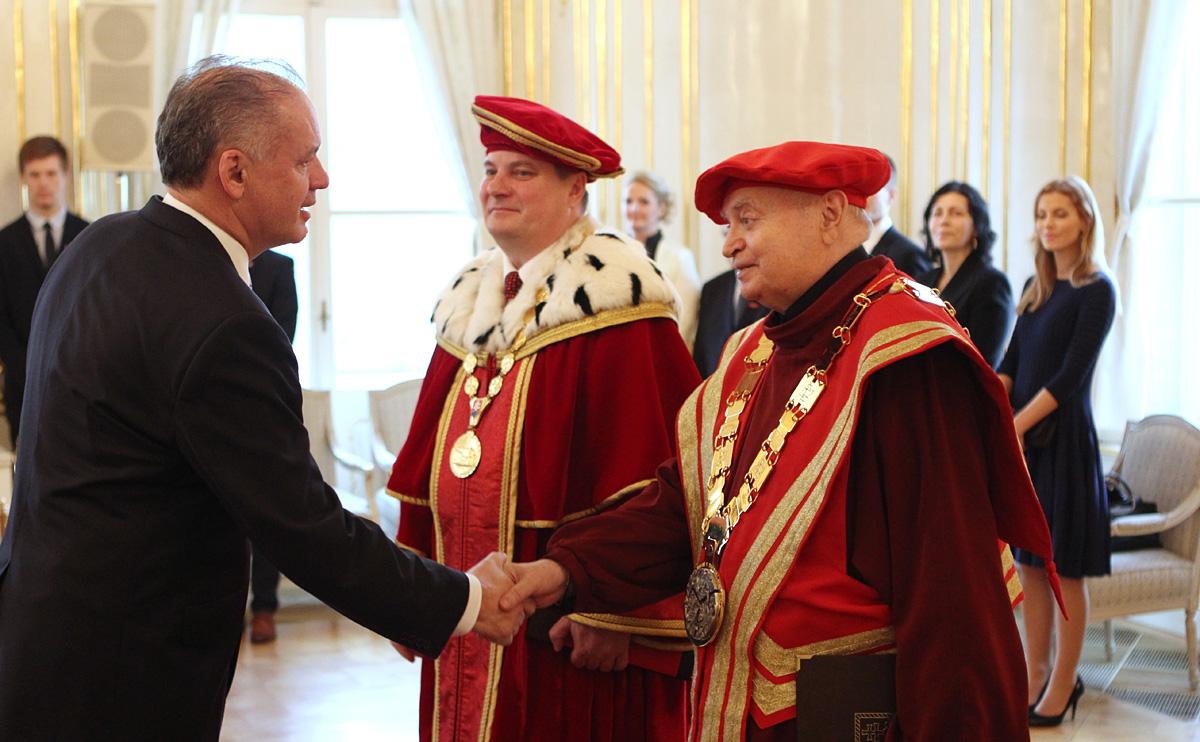 Kiska vymenoval rektorov Technickej univerzity a Akadémie umení