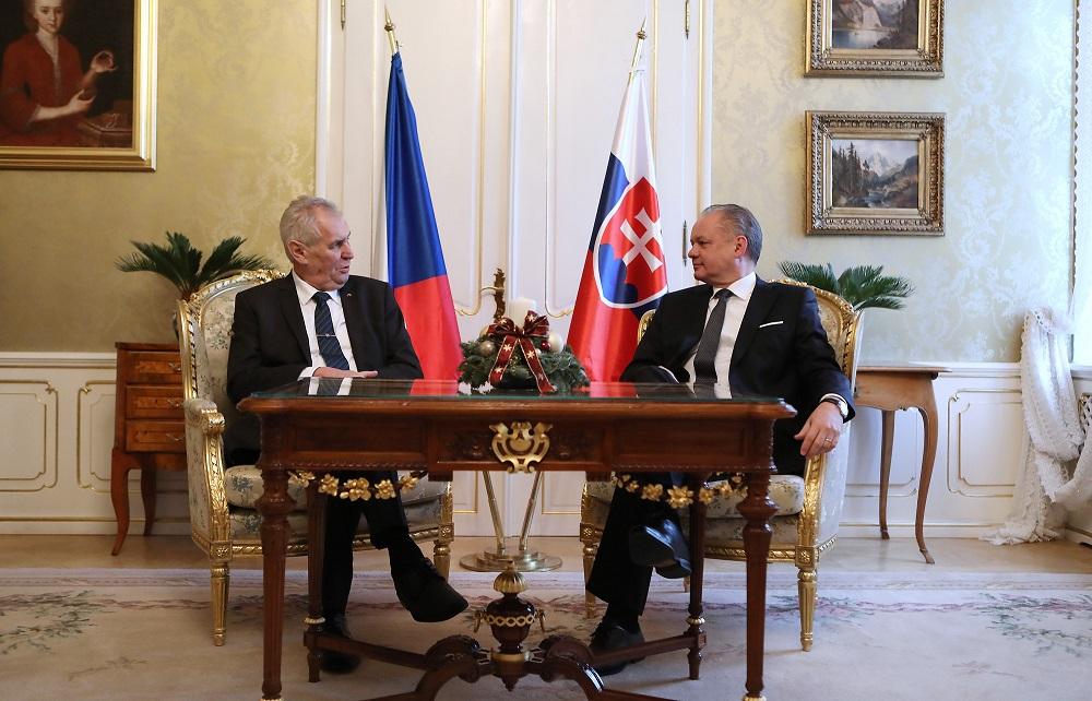 Prezident Kiska privítal prezidenta Zemana na rozlúčkovej návšteve