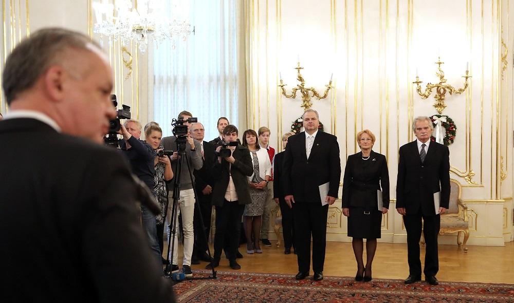 Andrej Kiska vymenoval na ústavný súd Duriša, Laššákovú a Mamojku