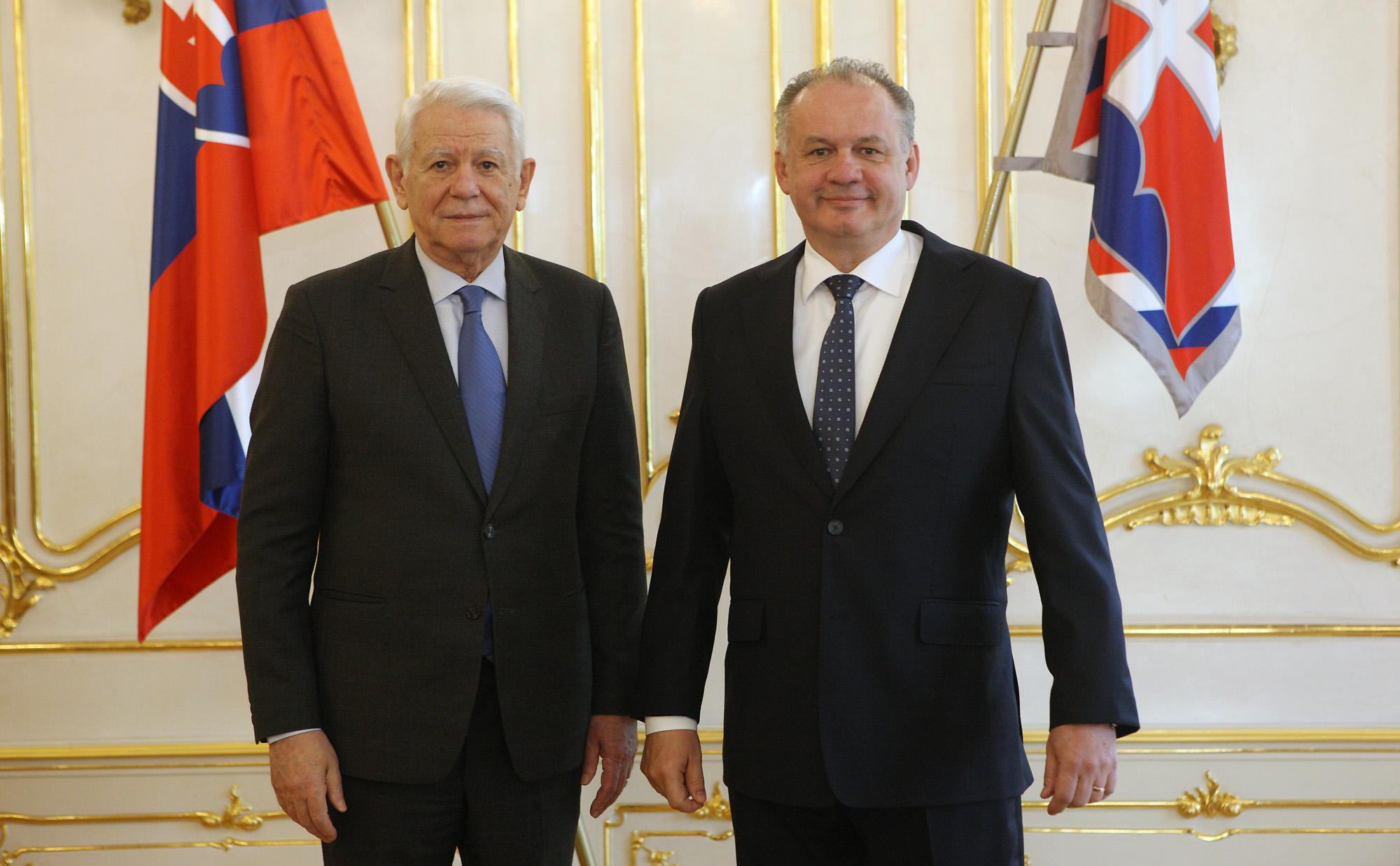 Kiska sa stretol s rumunským ministrom zahraničných vecí