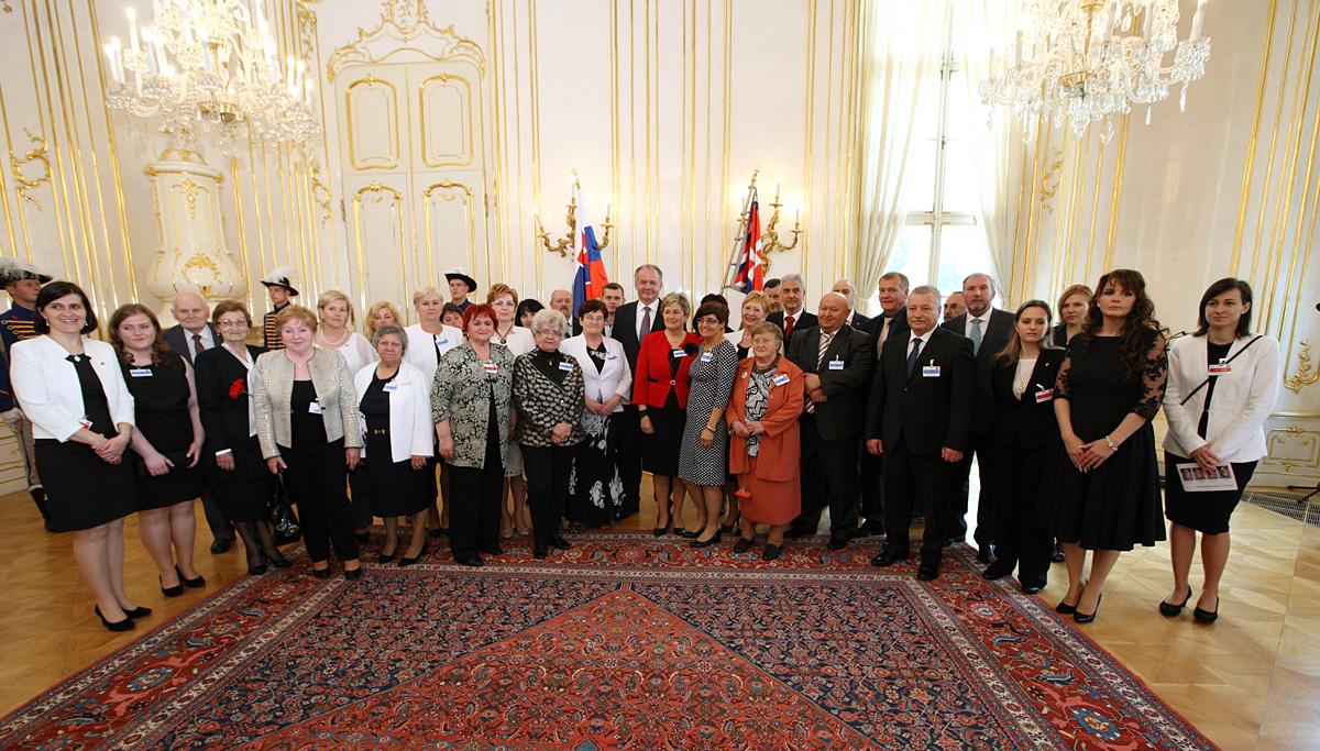 Kiska prijal ocenených členov Červeného kríža