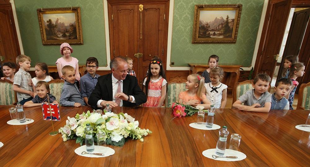 Na deň detí pozval prezident deti do paláca