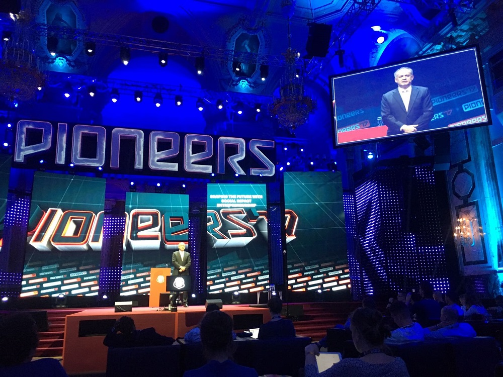 Kiska hovoril na Pioneers Festivale o pomáhaní druhým