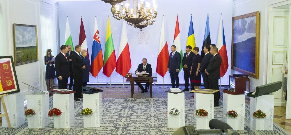 Kiska s prezidentmi B9 vo Varšave: Vzťah k Rusku sa nezlepšil