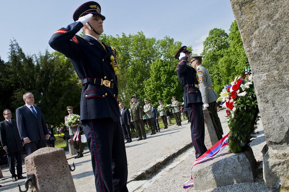 Prezident si uctil pamiatku Milana Rastislava Štefánika