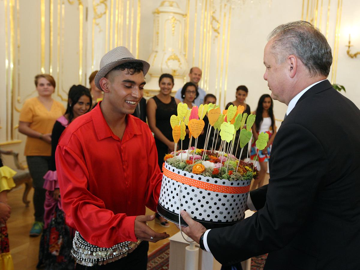 Účastníci Festivalu študentských remesiel navštívili prezidenta