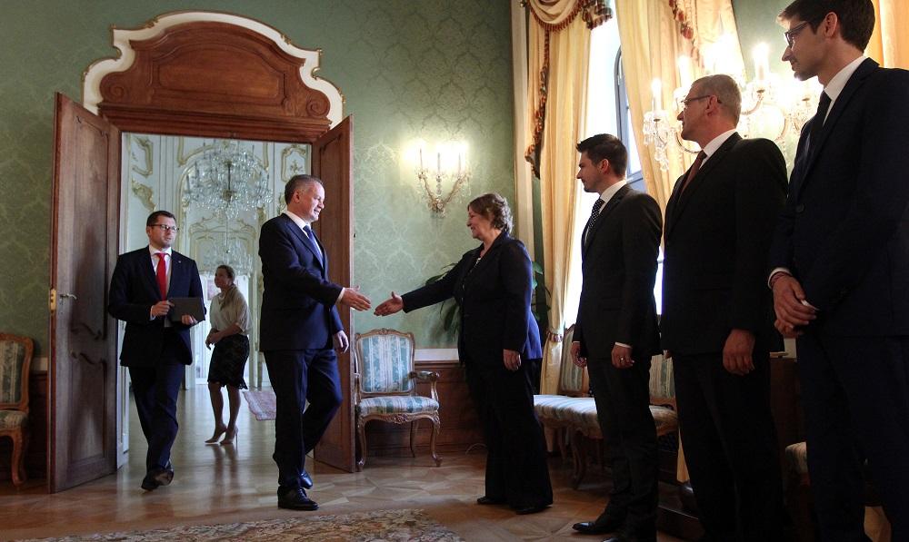 Prezident sa stretol s ombudsmankou: Som sklamaný z nezáujmu poslancov