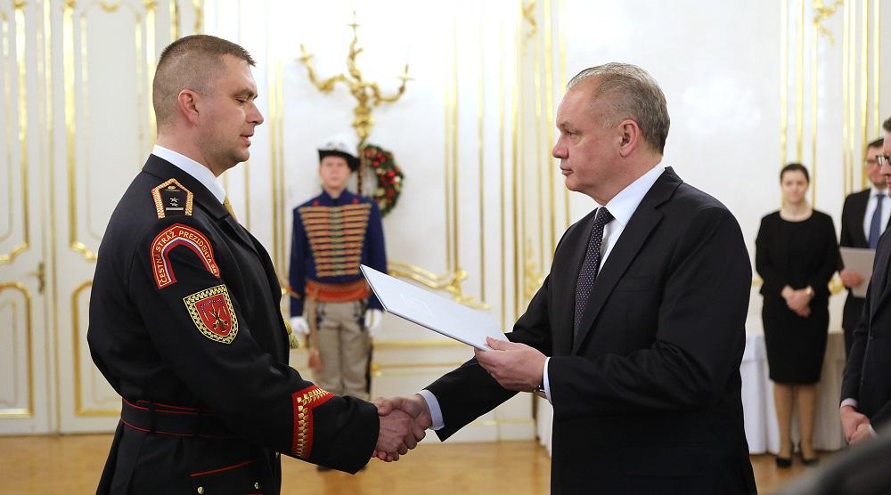 Prezident prijal vojakov Čestnej stráže
