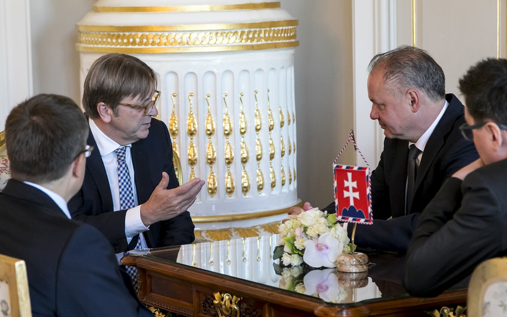 Prezident sa stretol s Guyom Verhofstadtom