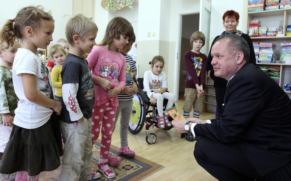 Prezident navštívil Výskumný ústav detskej psychológie