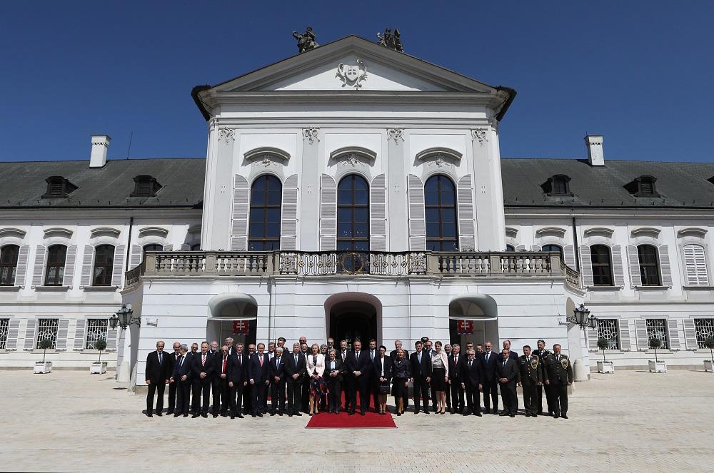 Prezident usporiadal slávnostný obed k 15. výročiu vstupu SR do EÚ a NATO