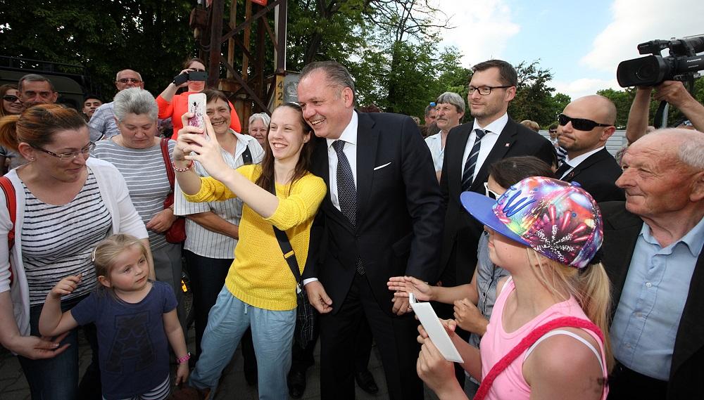 Prezident začal pracovný výjazd na južné Slovensko v Štúrove