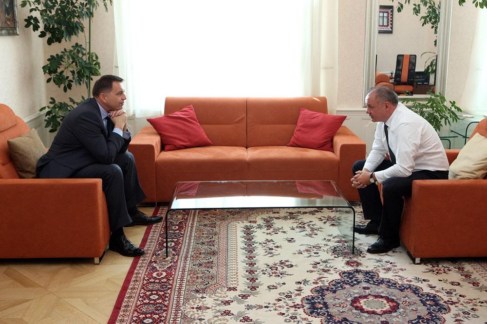 Kiska prijal Kažimíra v súvislosti s únikom chránených informácií