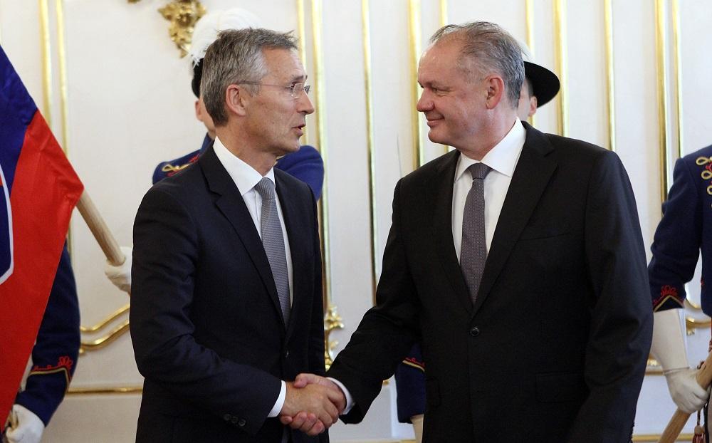Prezident Kiska rokoval s generálnym tajomníkom NATO