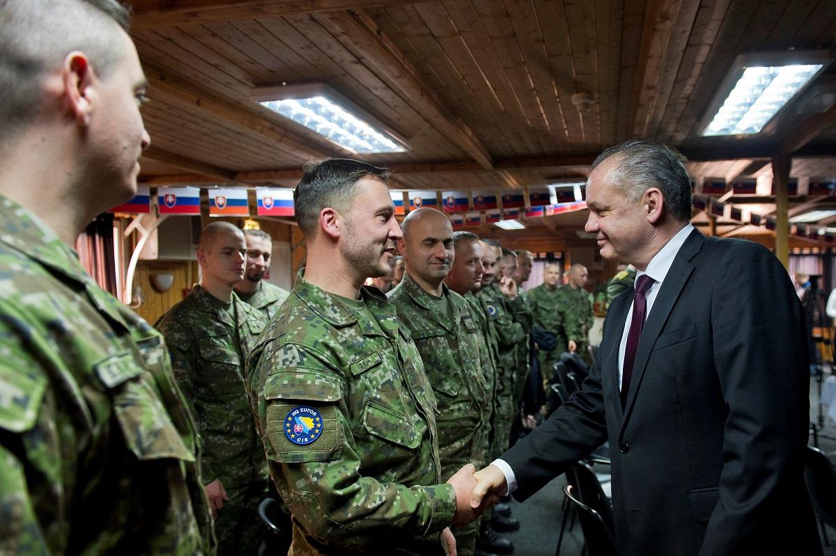 Prezident navštívil slovenských vojakov v Bosne a Hercegovine