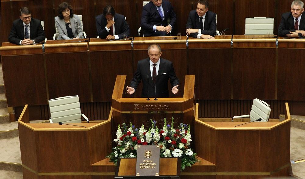 Prezident ku Dňu Ústavy: Dbajme na demokratické pravidlá