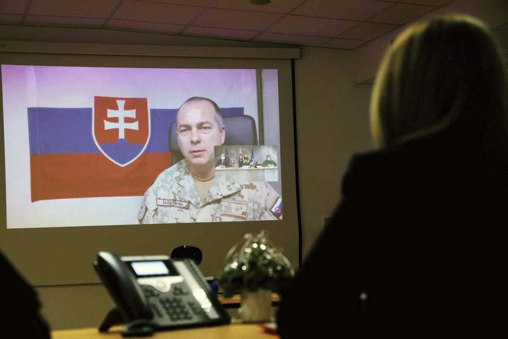 Prezidentka sa rozprávala s veliteľmi zahraničných operácií