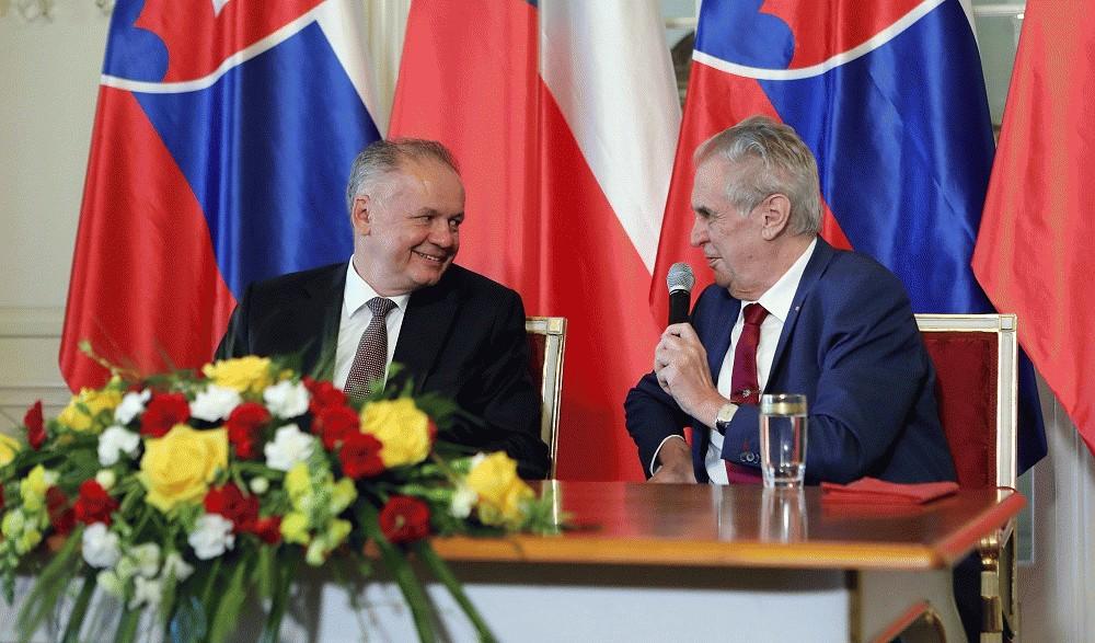 Prezident Kiska sa v Česku rozlúčil s prezidentom Zemanom