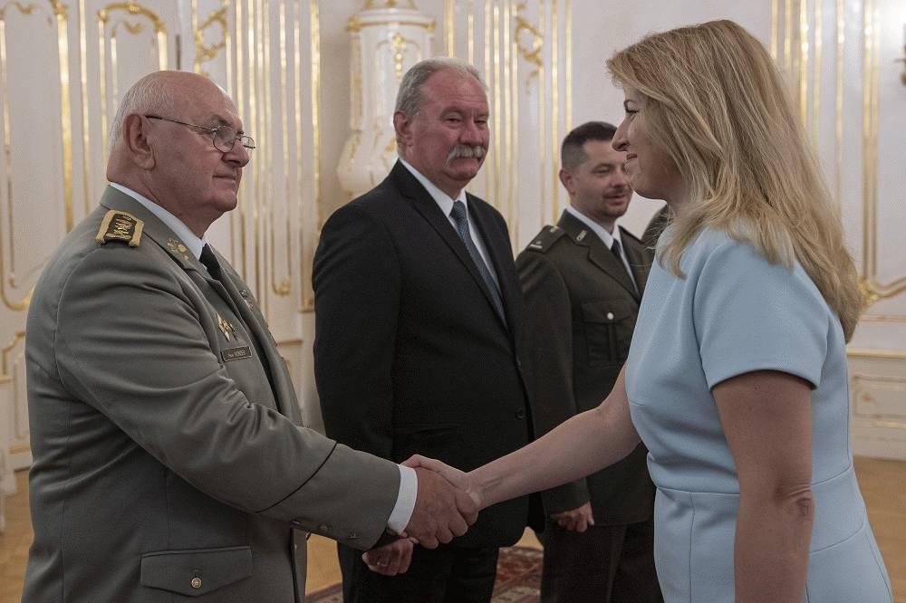 Zuzana Čaputová prijala laureátov vojenského činu roka, sú podľa nej príkladom