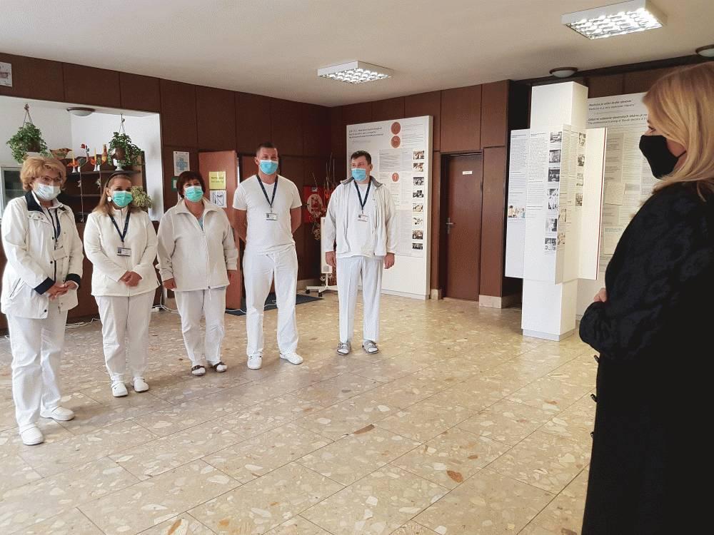 Prezidentka požiadala o zvolanie Bezpečnostnej rady SR, stretla sa s lekármi