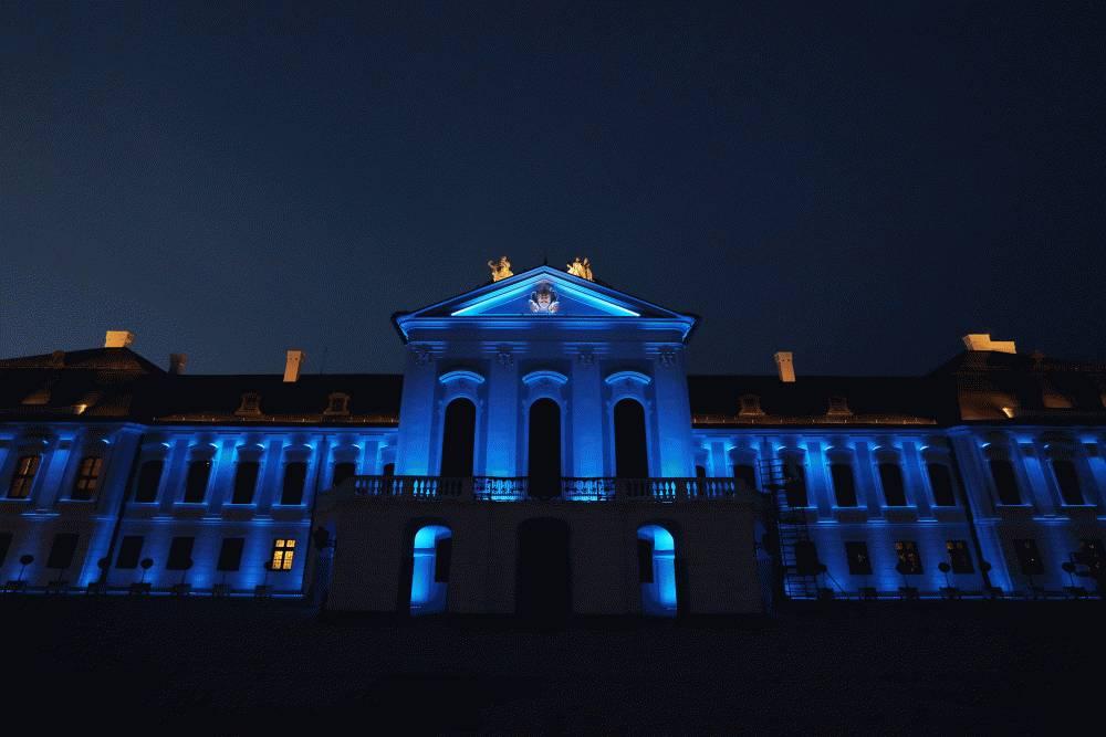 75 rokov OSN: Prezidentský palác sa rozsvietil na modro
