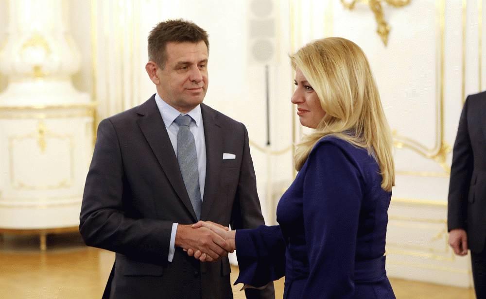Prezidentka prijala demisiu Lászlóa Sólymosa