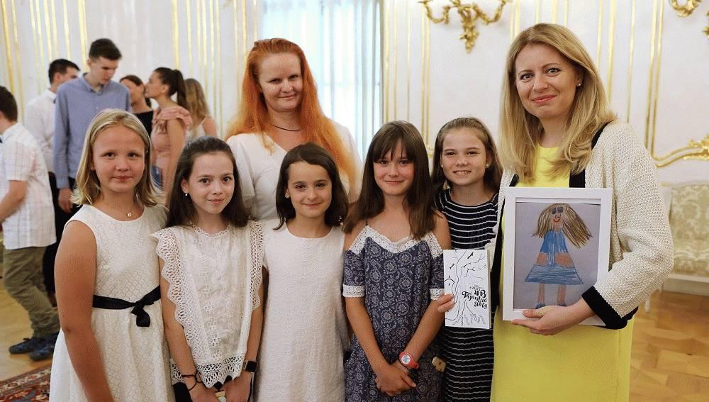 """Prezidentka prijala víťazov medzinárodnej súťaže """"Mladí reportéri pre životné prostredie"""""""