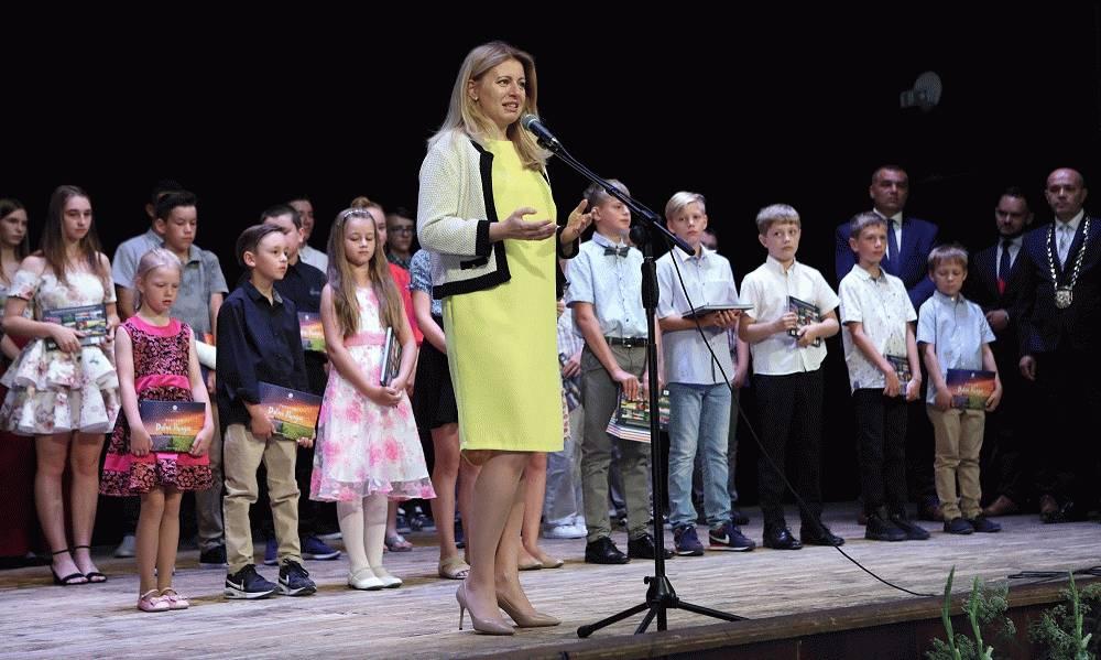Prezidentka SR sa zúčastnila na ukončení školského roka v ZŠ Smolenice