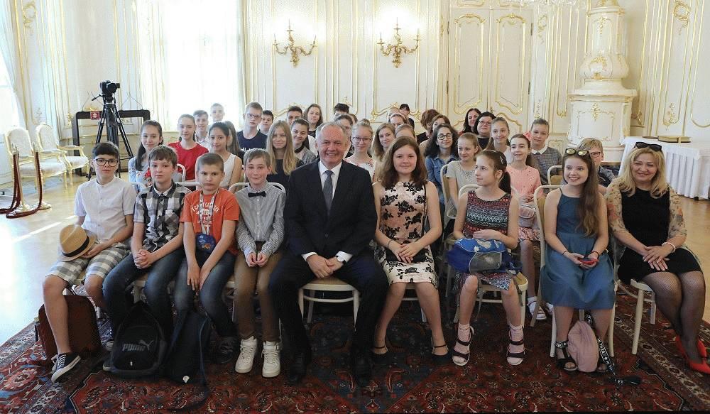 Prezident sa zapojil do podujatia Celé Slovensko číta deťom