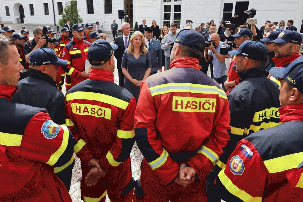 The president praised the courage of firefighters who went to help in Greece