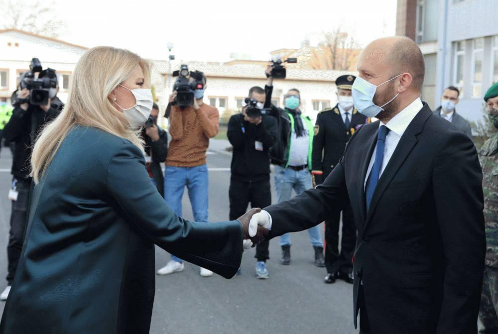 Prezidentka navštívila ministerstvo obrany aj operačné centrum