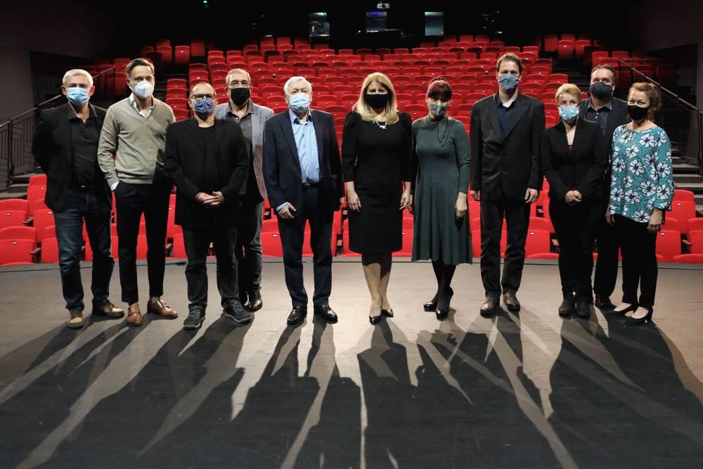 Prezidentka navštívila Radošinské naivné divadlo
