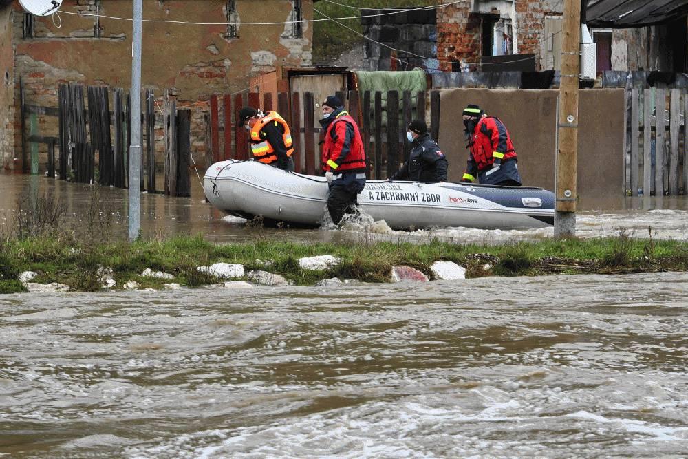 Prezidentka sa zaujímala o situáciu v obciach po záplavách