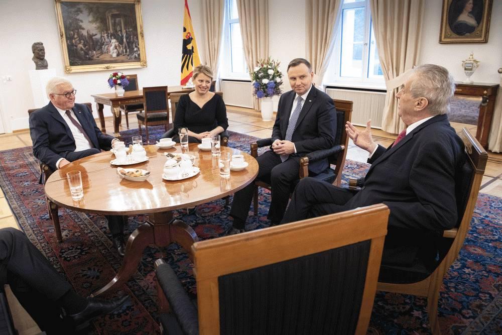 Prezidentka telefonovala s prezidentmi, hovorili o kríze
