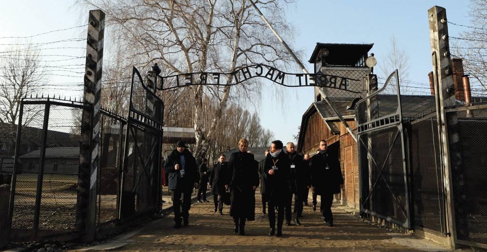 Prezidentka v Osvienčime: Fašizmus sa nemôže znova dostať k moci