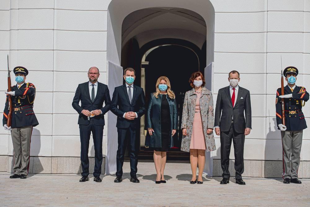 Lídri štyroch strán informovali prezidentku o postoch v novej vláde