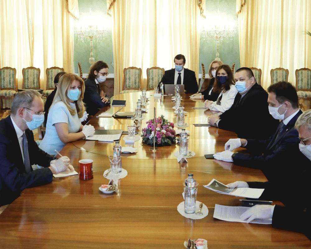 Prezidentka sa stretla s expertmi, diskutovali o aktuálnej kríze