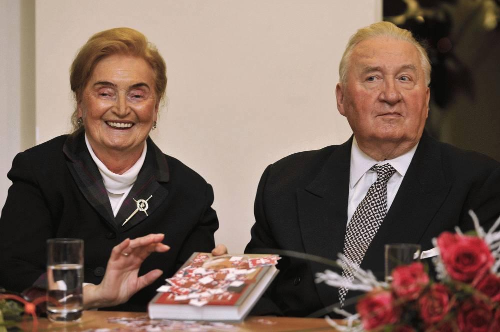 Zomrela bývalá prvá dáma Emília Kováčová