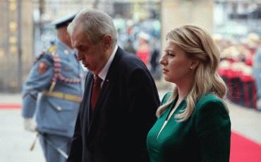 Prezidentku privítal v Prahe český prezident