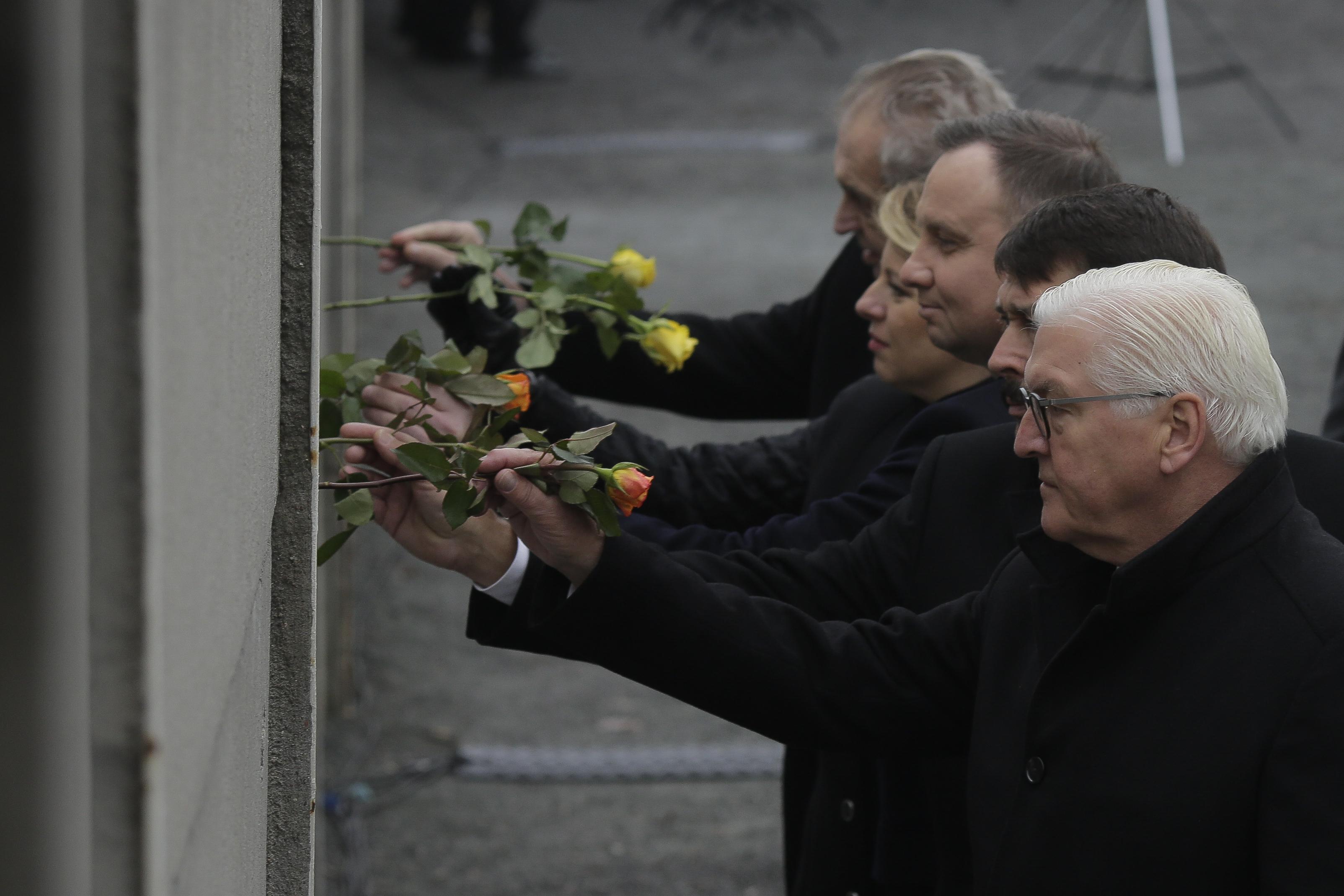 Berlínsky múr padol a je dôležité, aby padali aj múry nedôvery v nás