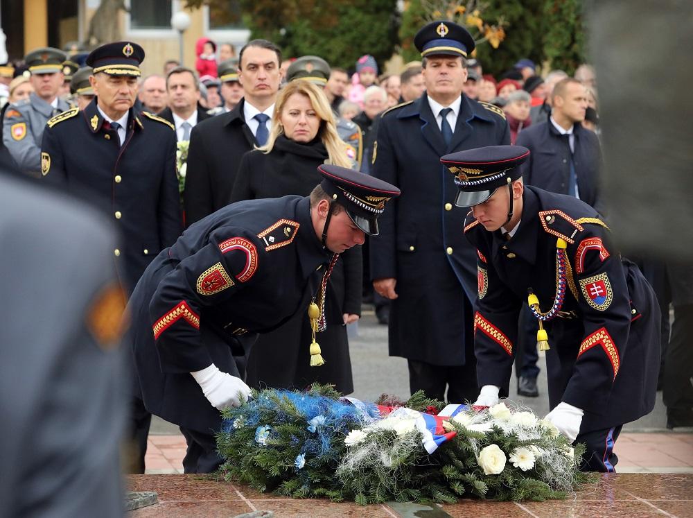 Prezidentka si uctila padlých hrdinov na Dukle